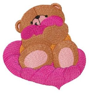 """Free embroidery design """"Bear with heart"""""""